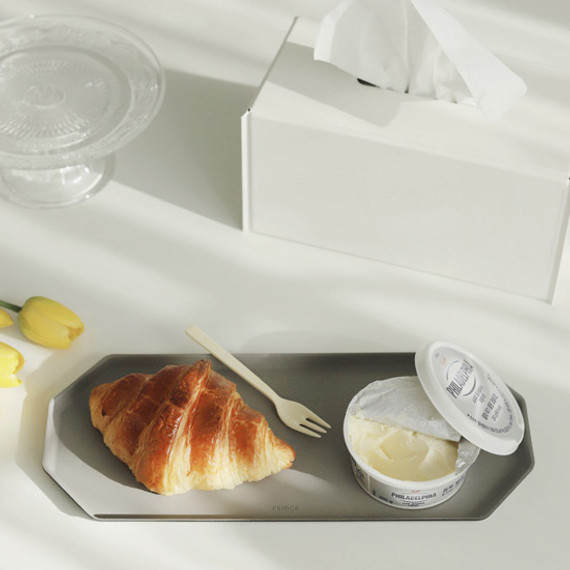 Example of use - Fenice Premium PU leather decorative serving octagon tray