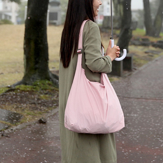 Soft pink - Byfulldesign Travelus water resistant rain bag for bags