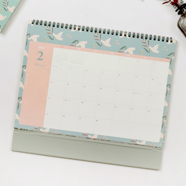 Wanna This 2018 Pour Vous Humming Spiral Bound Large Desk Calendar
