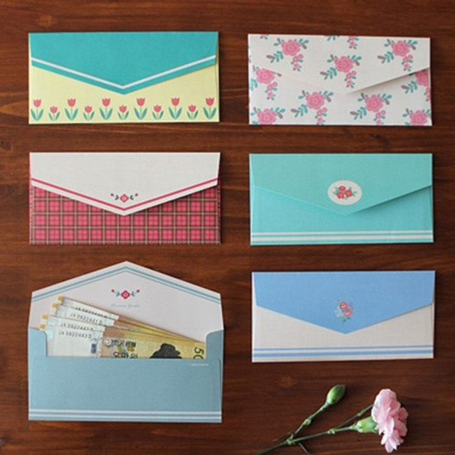 Retro pattern envelope set