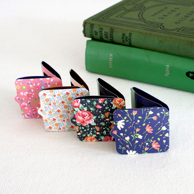 Scent of book magnetic bookmark with sticky notes