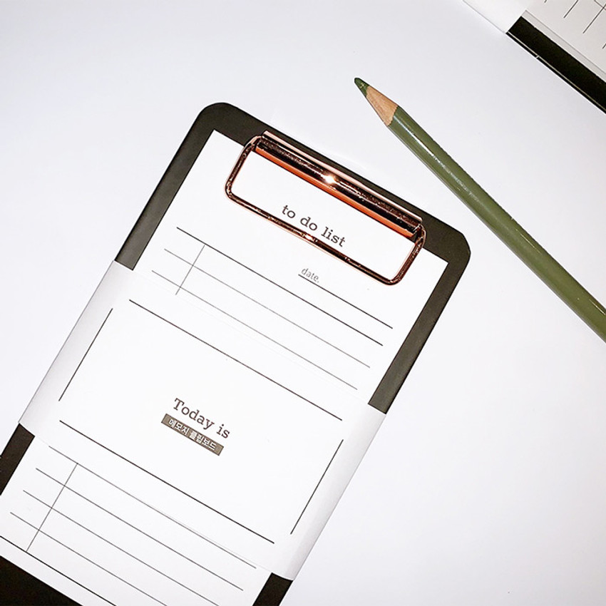 Usage example - N.IVY Today is clipboard holder with to do list notepad