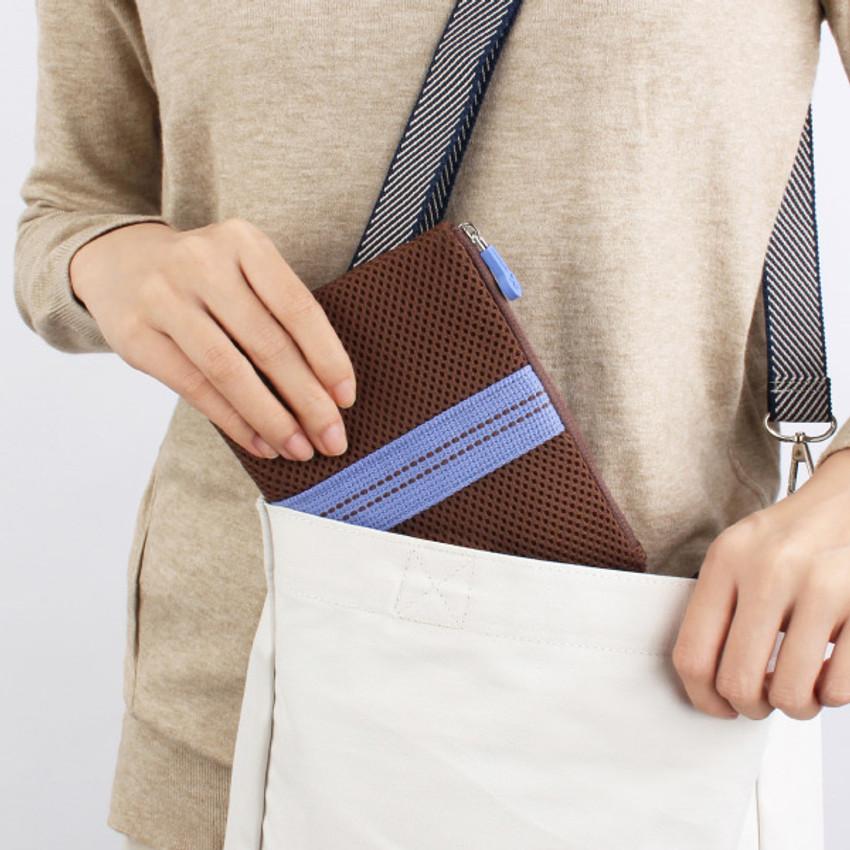 Usage example - Monopoly Air mesh medium plain zipper pouch bag