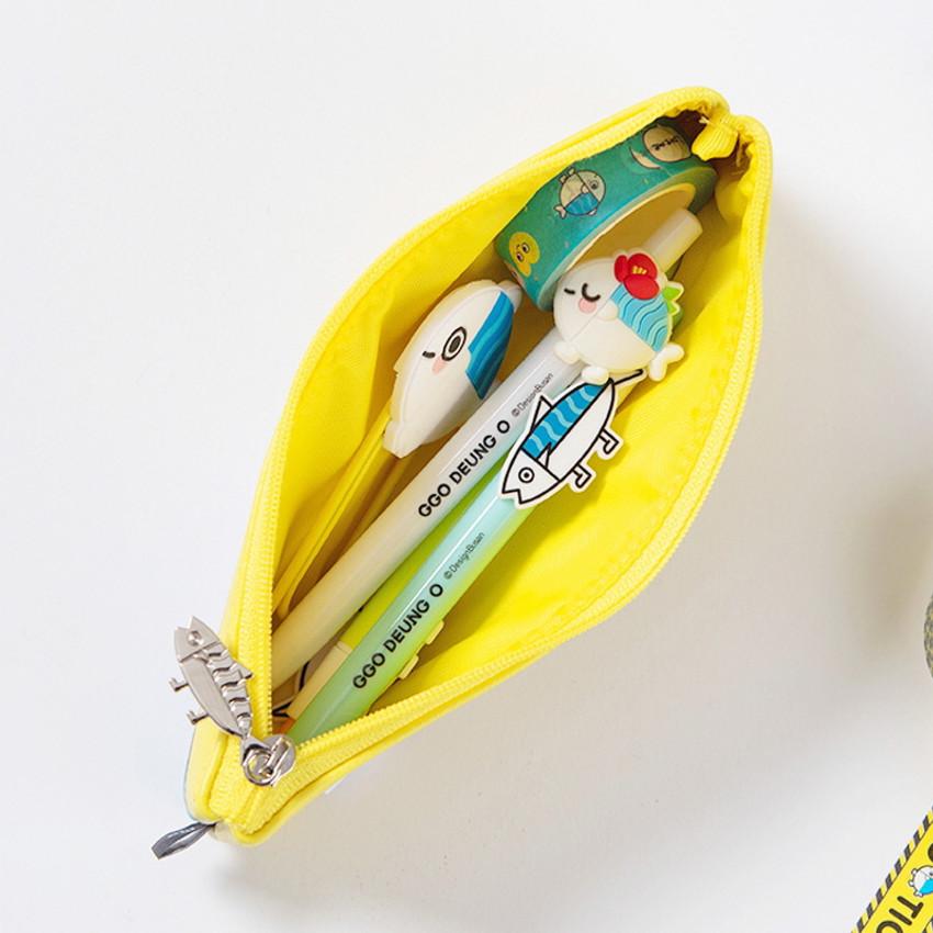 Usage example - DESIGN IVY Ggo deung o friends zipper pencil case ver2