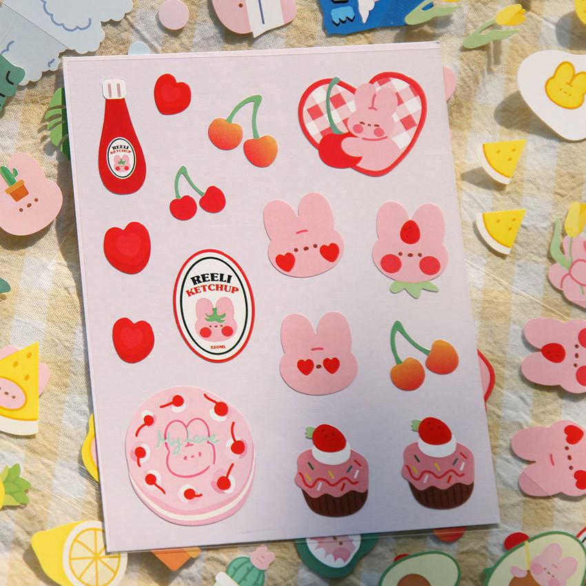Sugary Red - DESIGN GOMGOM Reeli removable deco sticker