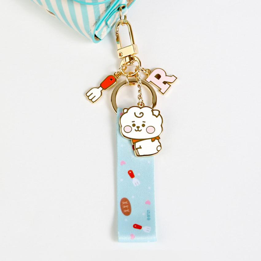 Usage example - BT21 Baby strap metal keyring