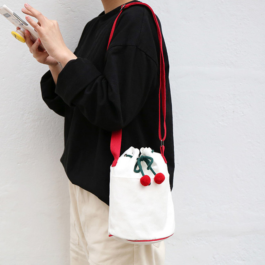 Ivory - ROMANE Cherry cotton crossbody bucket bag ver2
