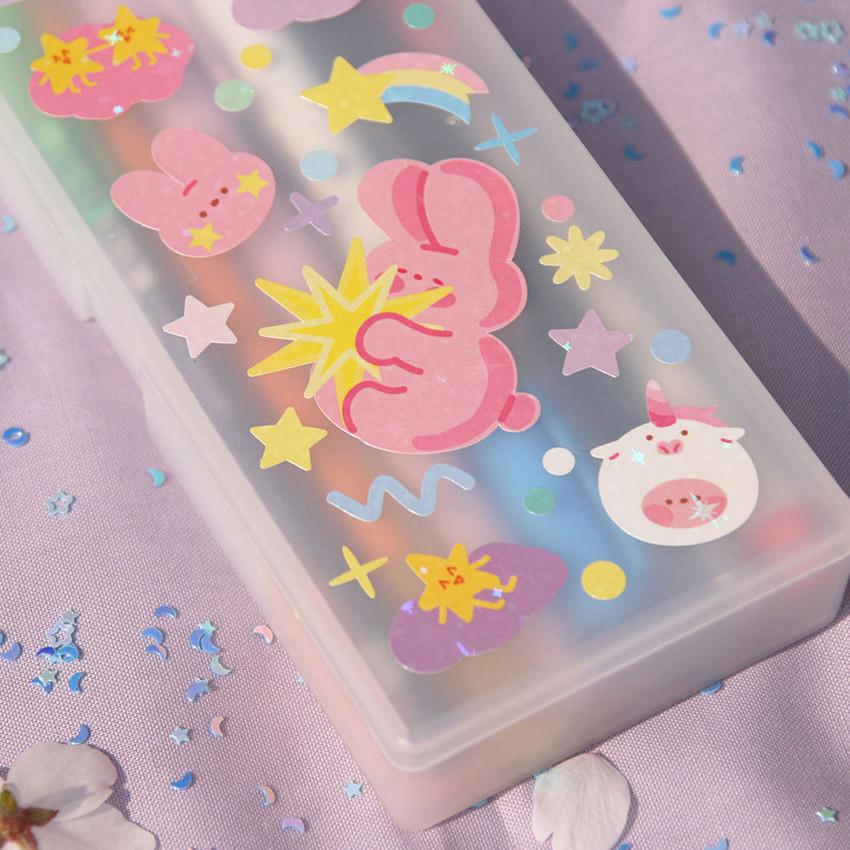 Usage example - DESIGN GOMGOM Reeli removable glitter sticker
