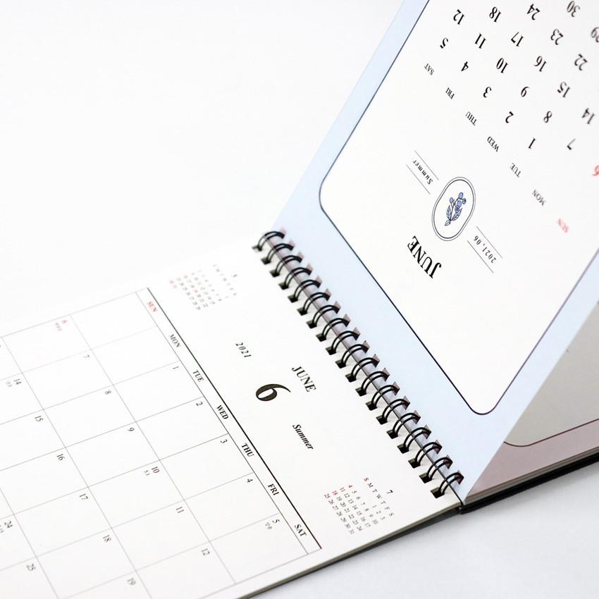 Wire binding - ICONIC 2021 Simple desk scheduler calendar