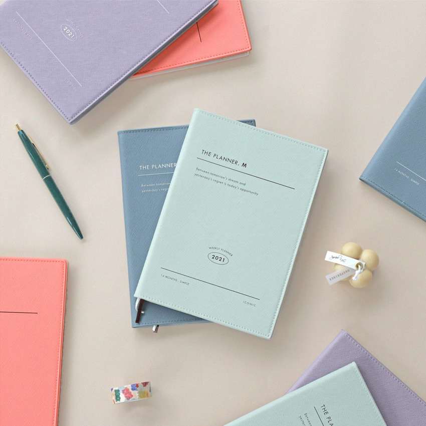 Iconic 2021 Simple medium dated weekly planner