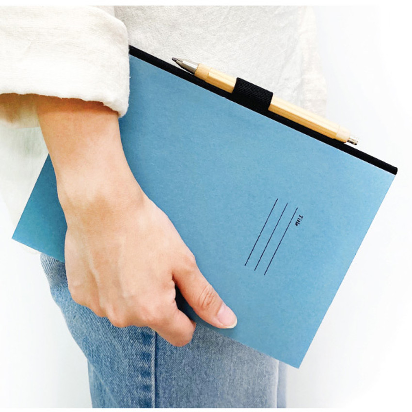 Pen holder - O-check Hardcover blank notebook with a pen holder