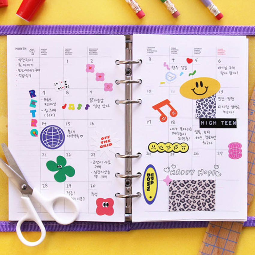 Monthly plan - Second Mansion Love Beat A6 6-ring dateless weekly diary planner