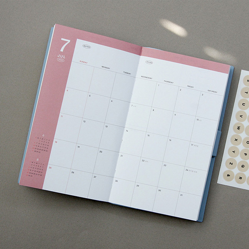 Monthly plan - GMZ 2021 Daily log button dated weekly diary planner