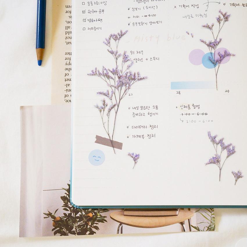 Usage example - Appree Misty blue pressed flower sticker