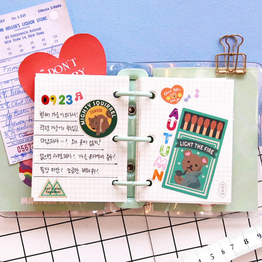 Usage example - Second Mansion Juicy bear 3 ring grid notebook