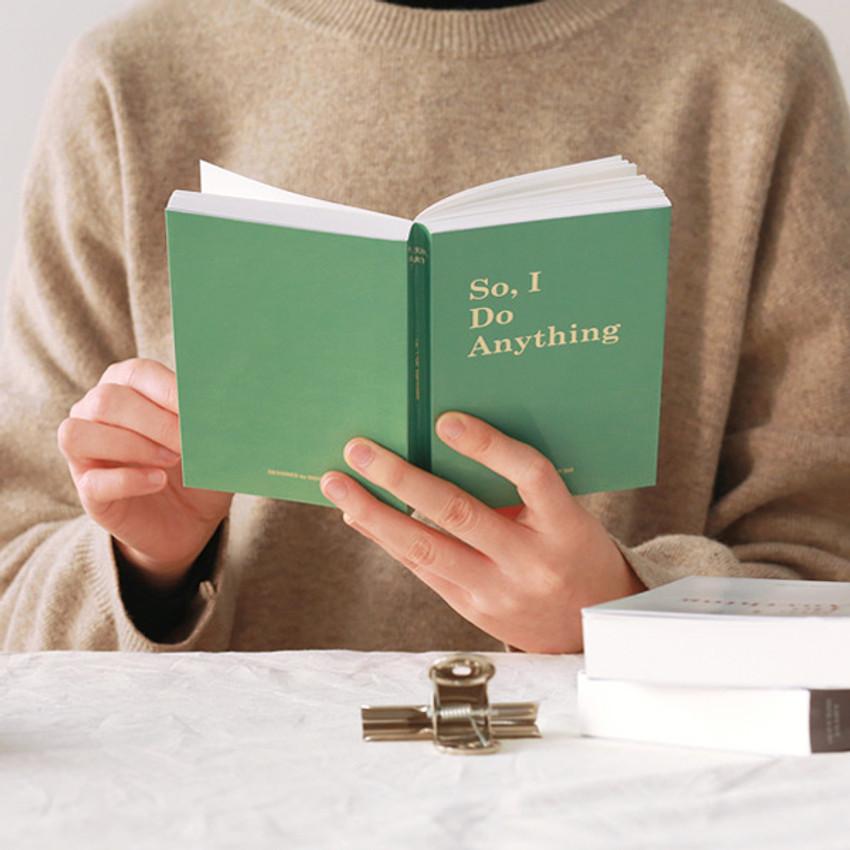 Indigo Success 365 dateless daily journal