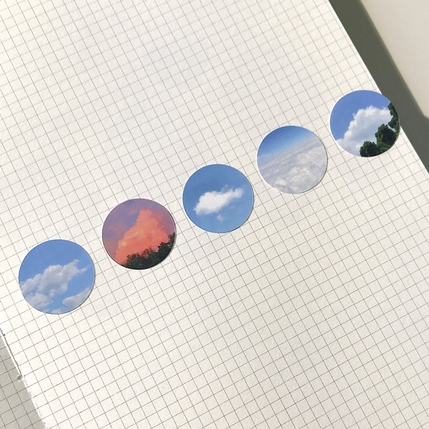 Meri Film Sky and Cloud paper circle sticker