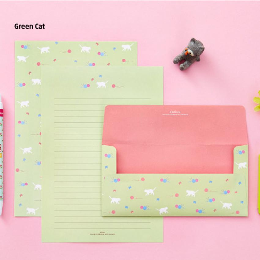 Green cat - Animal letter paper and envelope set