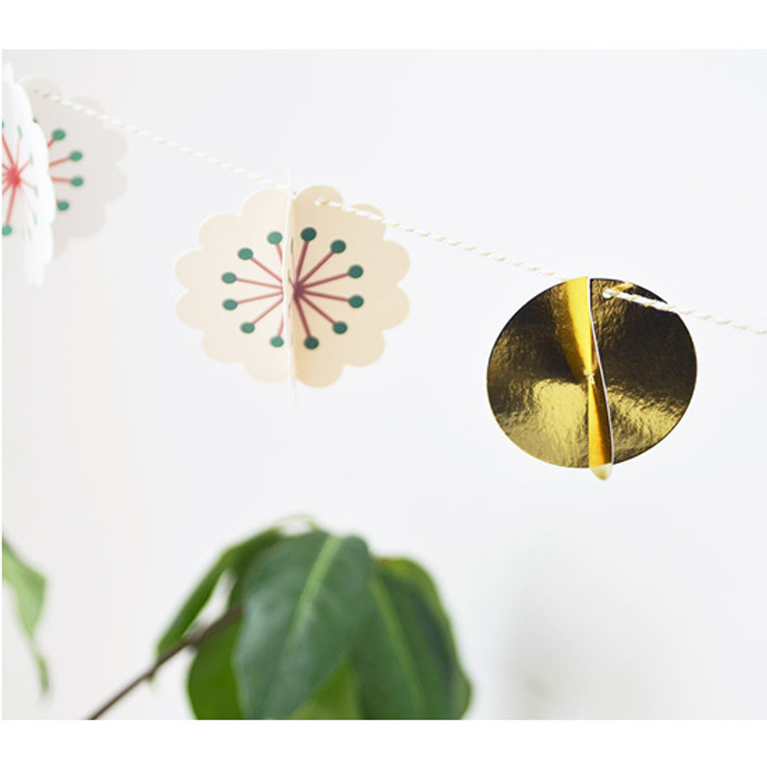 Make you happy flower garland