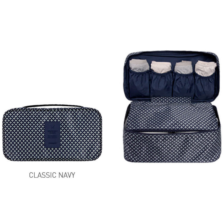 Classic navy - Detachable zippered pouch