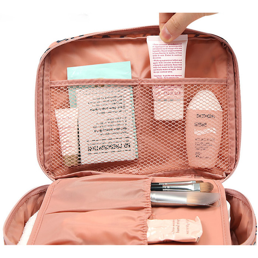 Pattern travel mesh multi pouch bag packing aids