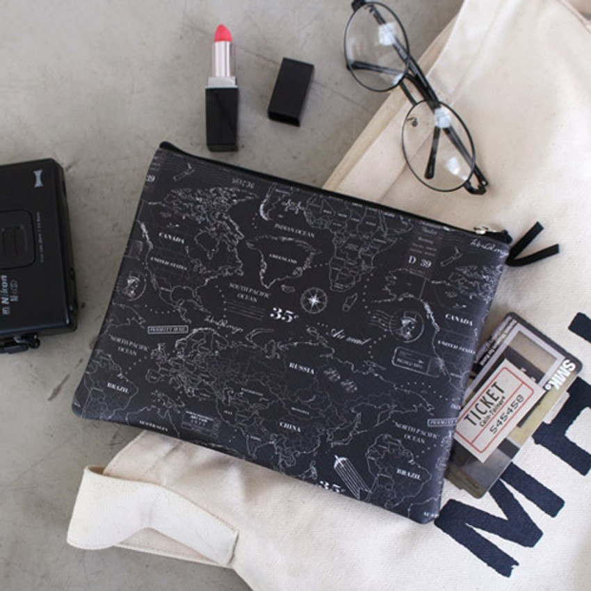 Black - World map pattern zipper pouch