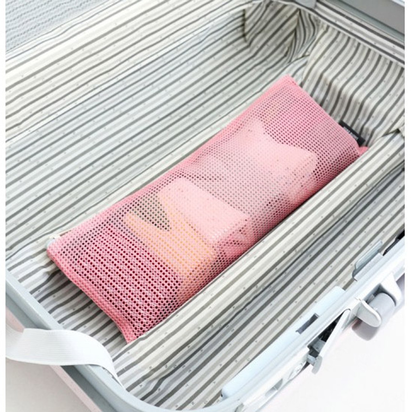 Pink - Mesh travel long pouch