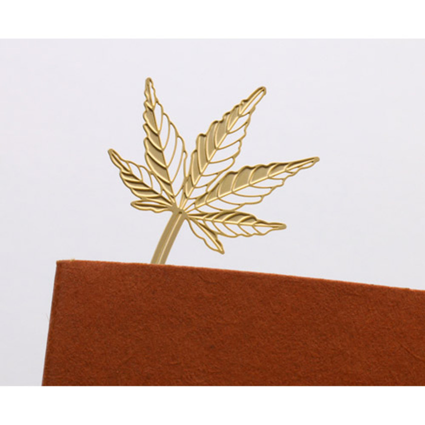 Maple leaf gold plated bookmark
