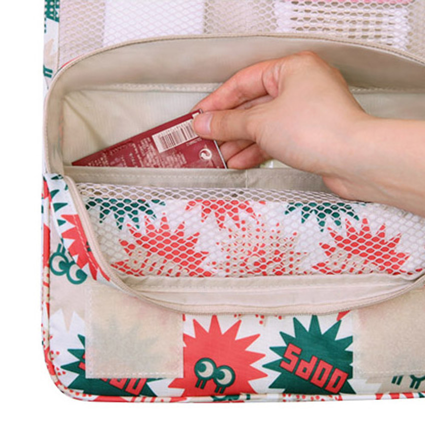 Inside pocket - Merrygrin travel hanging toiletry pouch bag