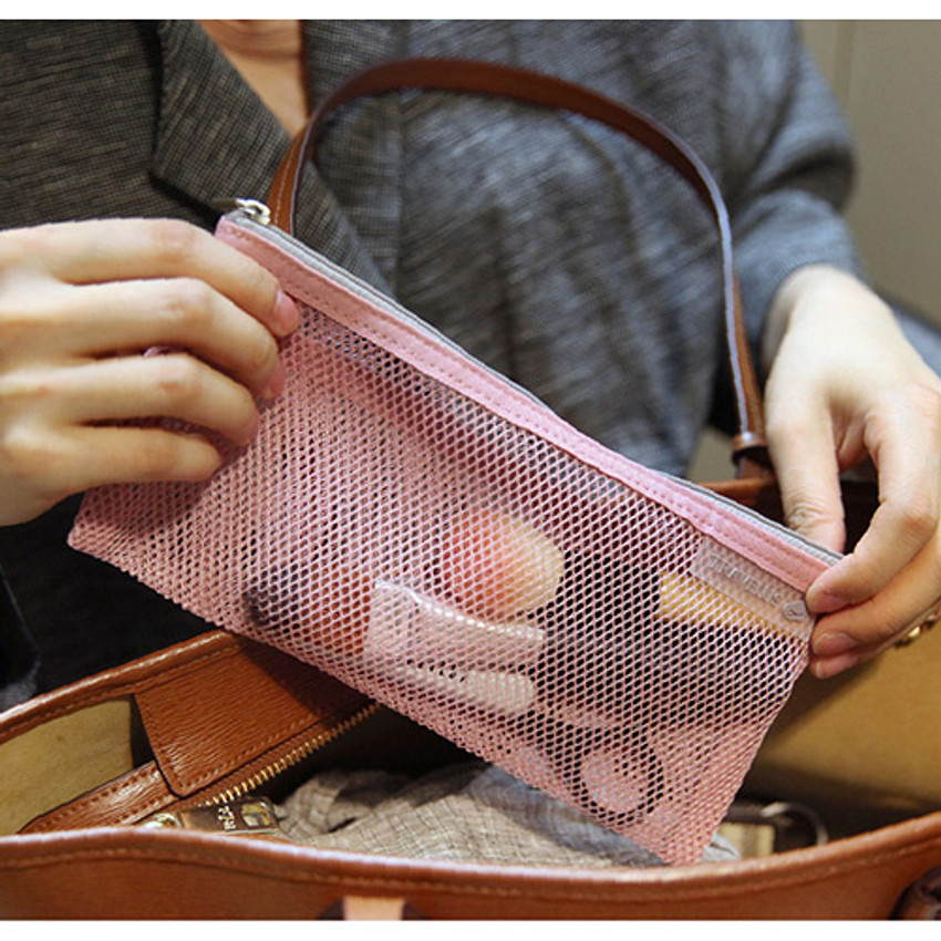 Soft pink - Travelus slim long mesh pouch ver.3
