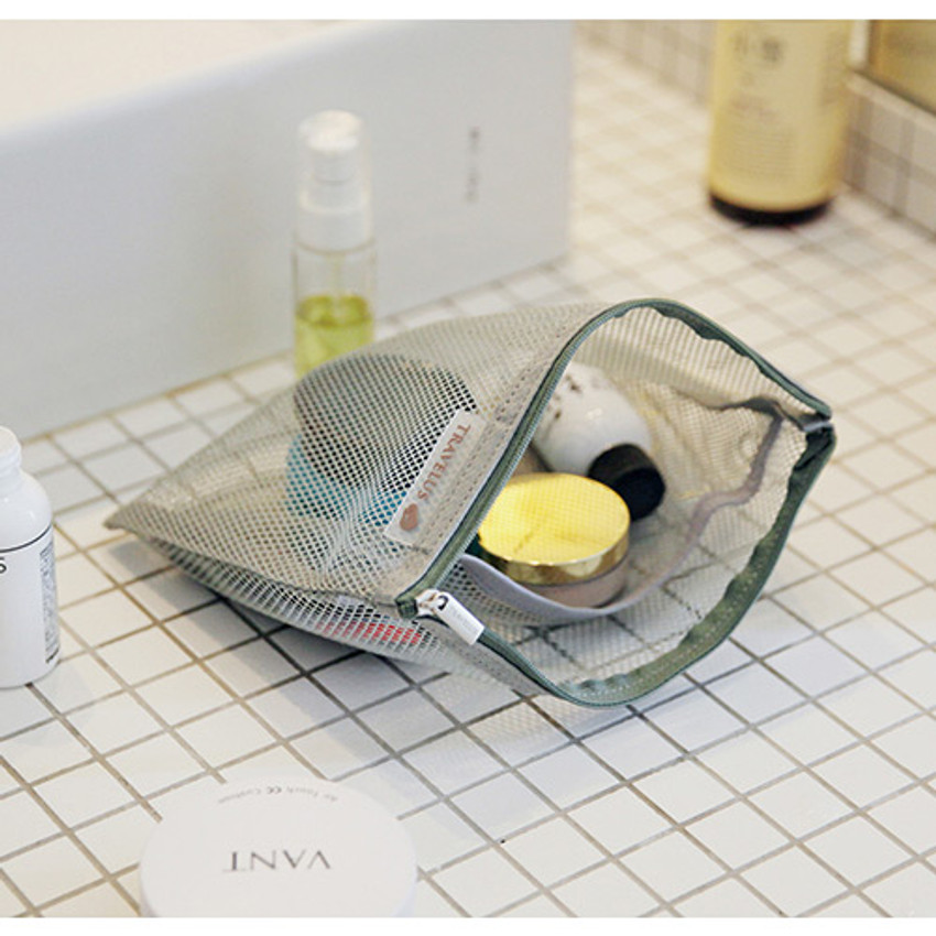 Ice gray - Travelus Medium slim mesh pouch ver.3