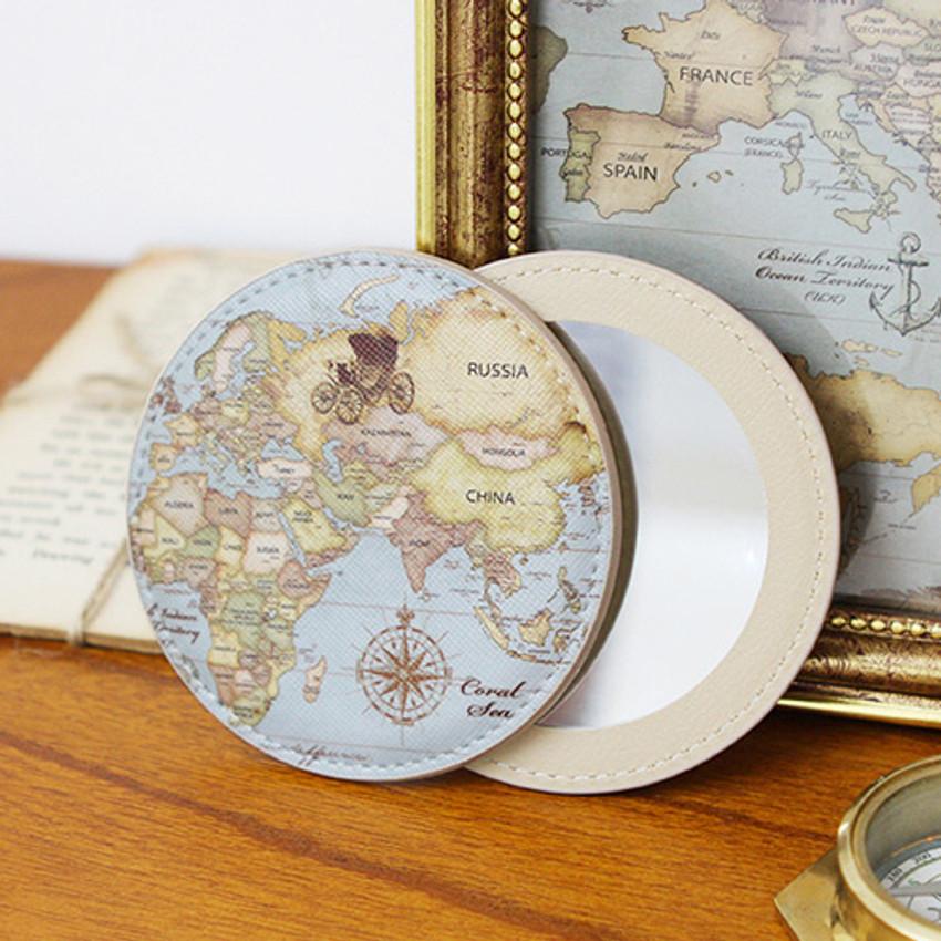 Retro - World map pattern round handy mirror