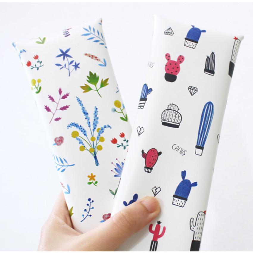 Cactus flower pattern folding pencil case