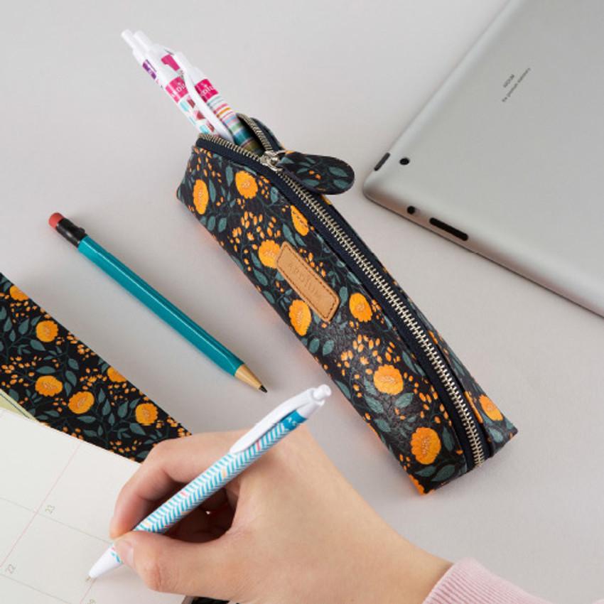 Flower pattern half moon zipper pencil case