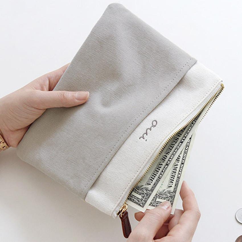 Warm gray - Around'D pocket zipper pouch