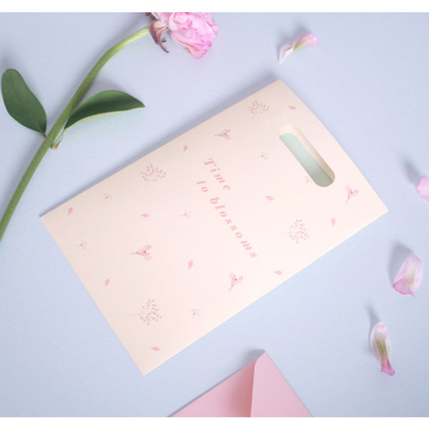 Ivory - illustration paper bag set