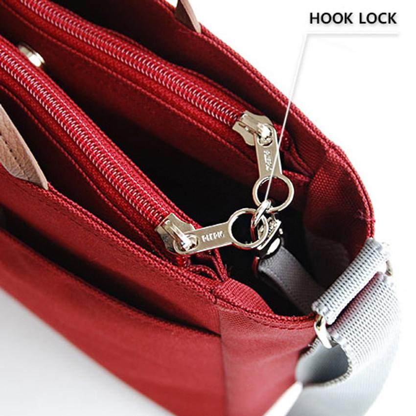 Hook lock - Holiday picks cross shoulder bag