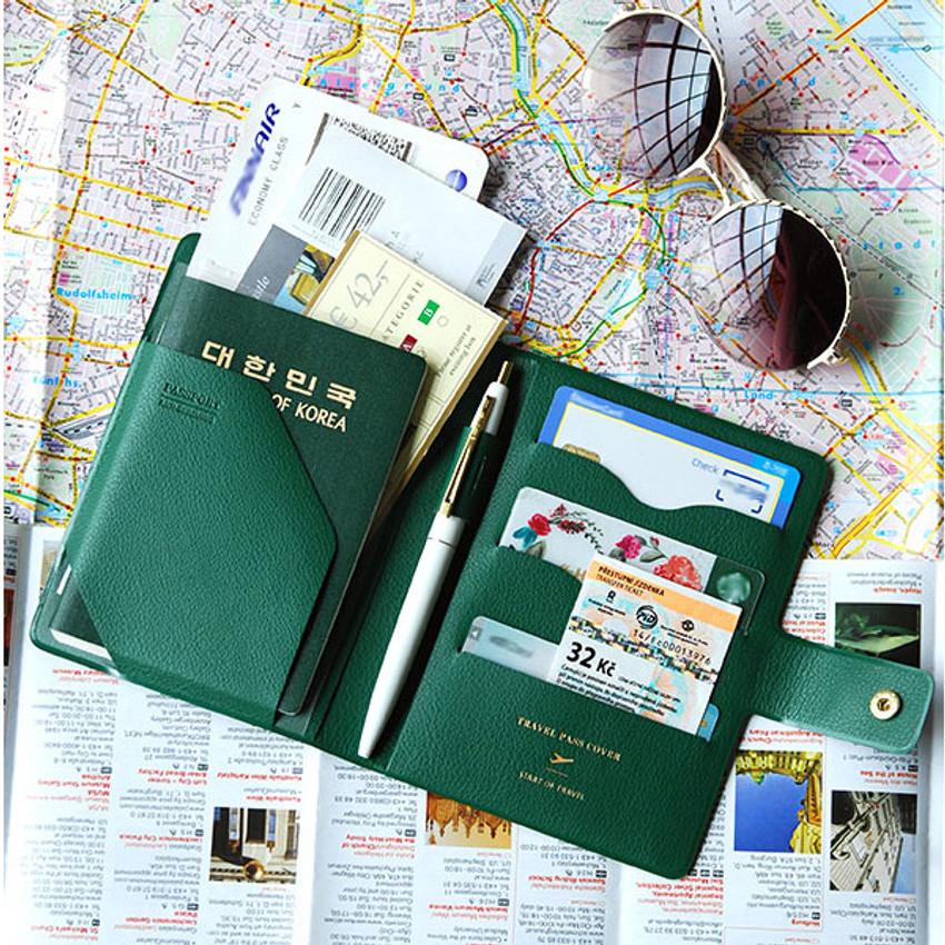Forest green - Start of travel RFID blocking passport cover