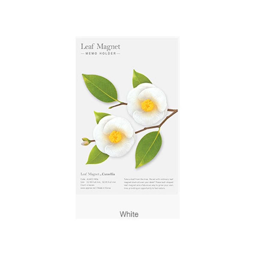 White - Camellia leaves magnet set