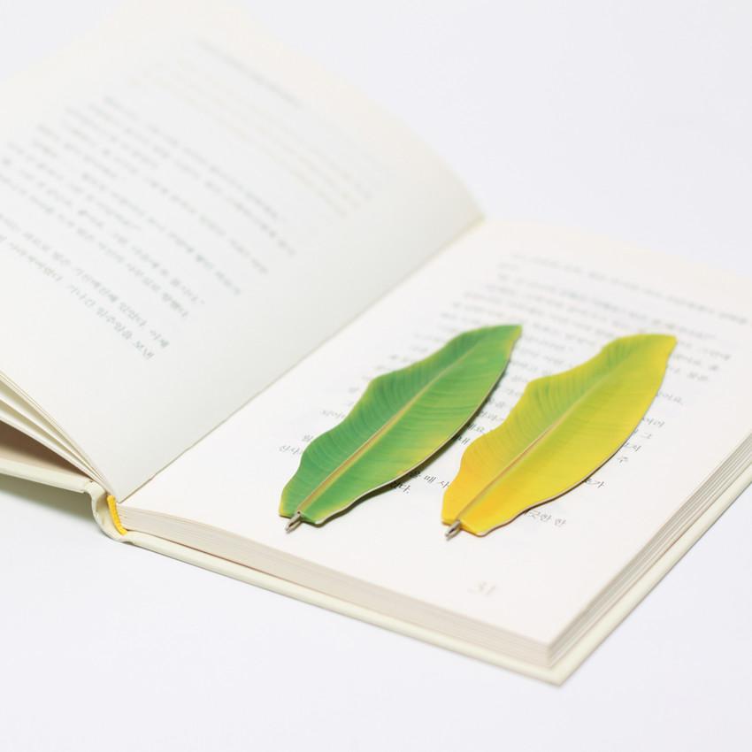 Appree Banana leaf bookmark black ballpoint pen