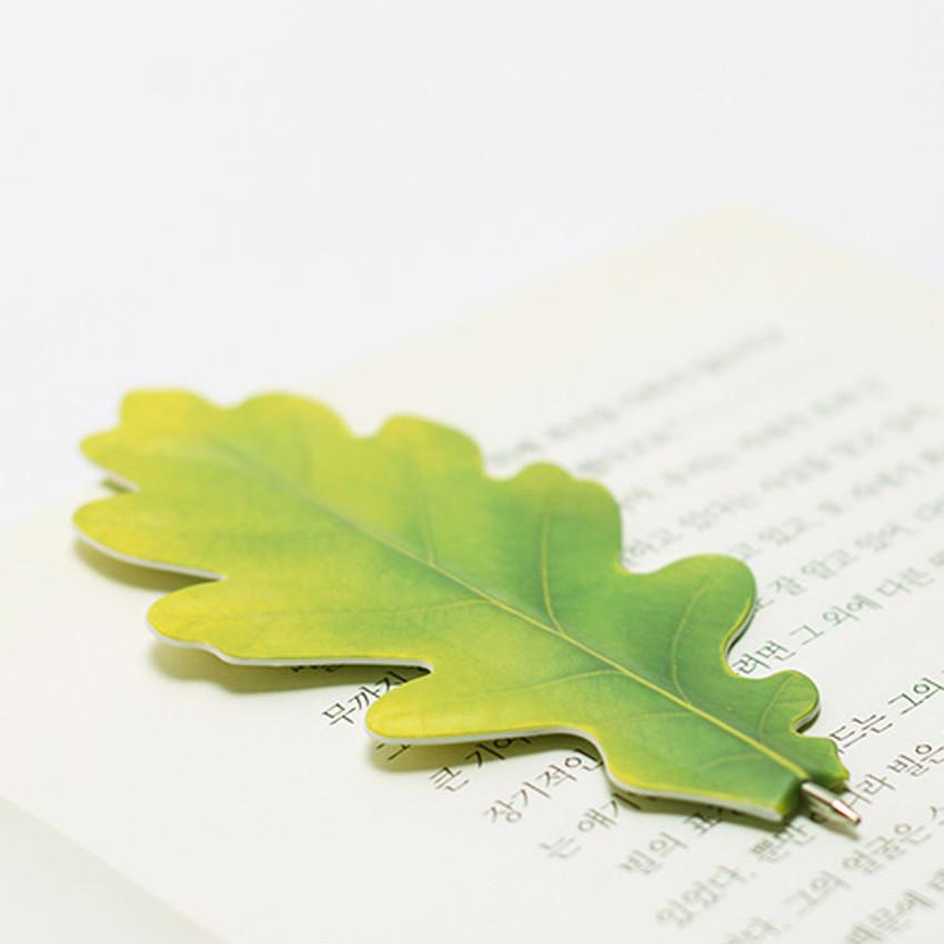 Appree Acorn leaves bookmark black ballpoint pen set