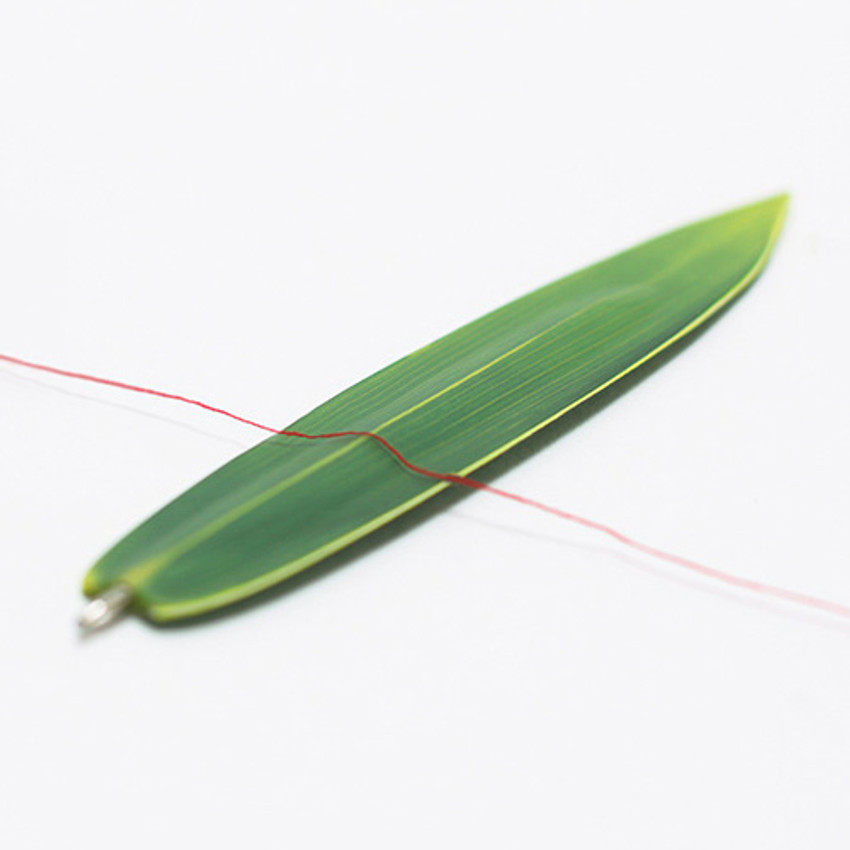 Appree Bamboo leaves bookmark black ballpoint pen set