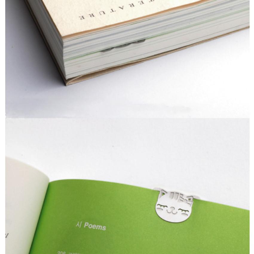 Bookfriends Sleepy cat steel bookmark