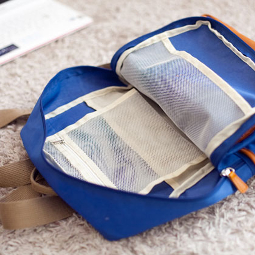 The inside of 2way backpack