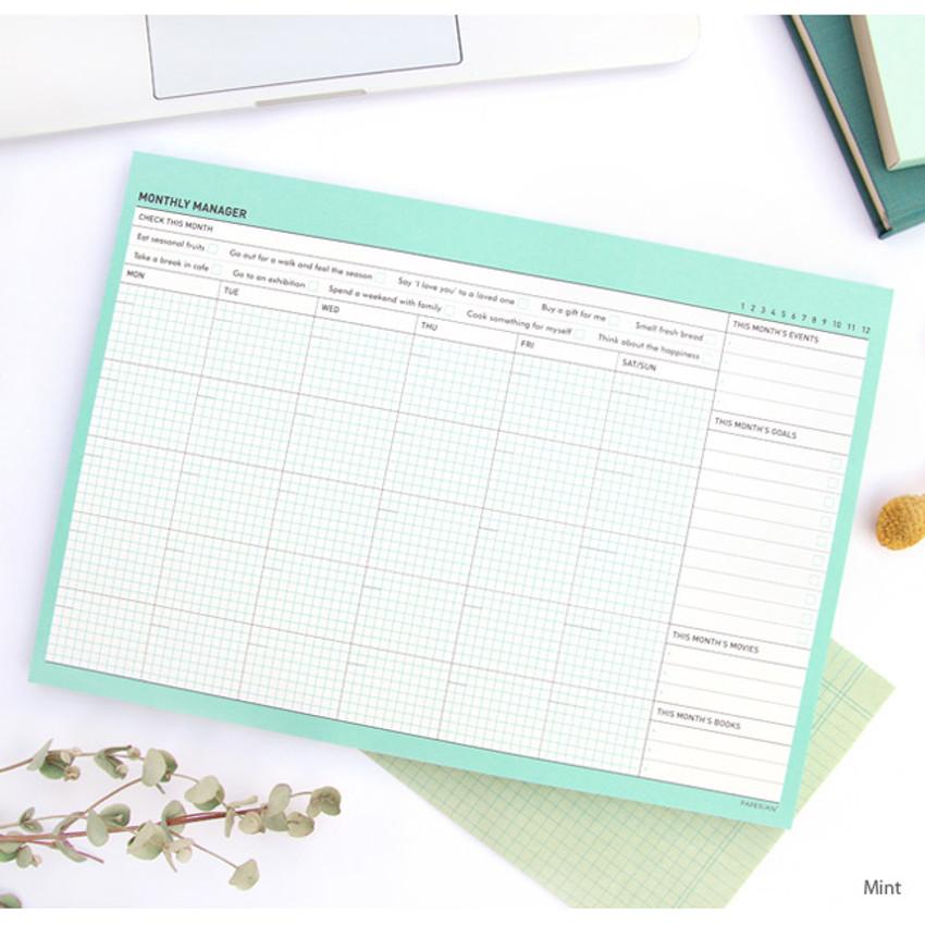 Mint - Schedule manager undated monthly desk planner