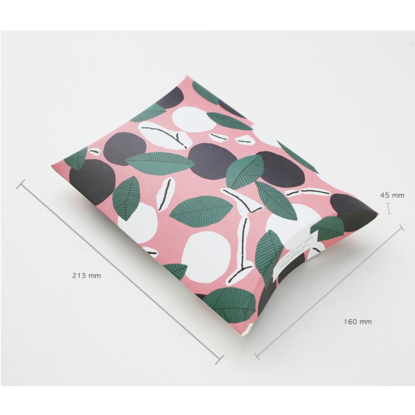 Size of Promenade gift paper bag medium set of 4 styles