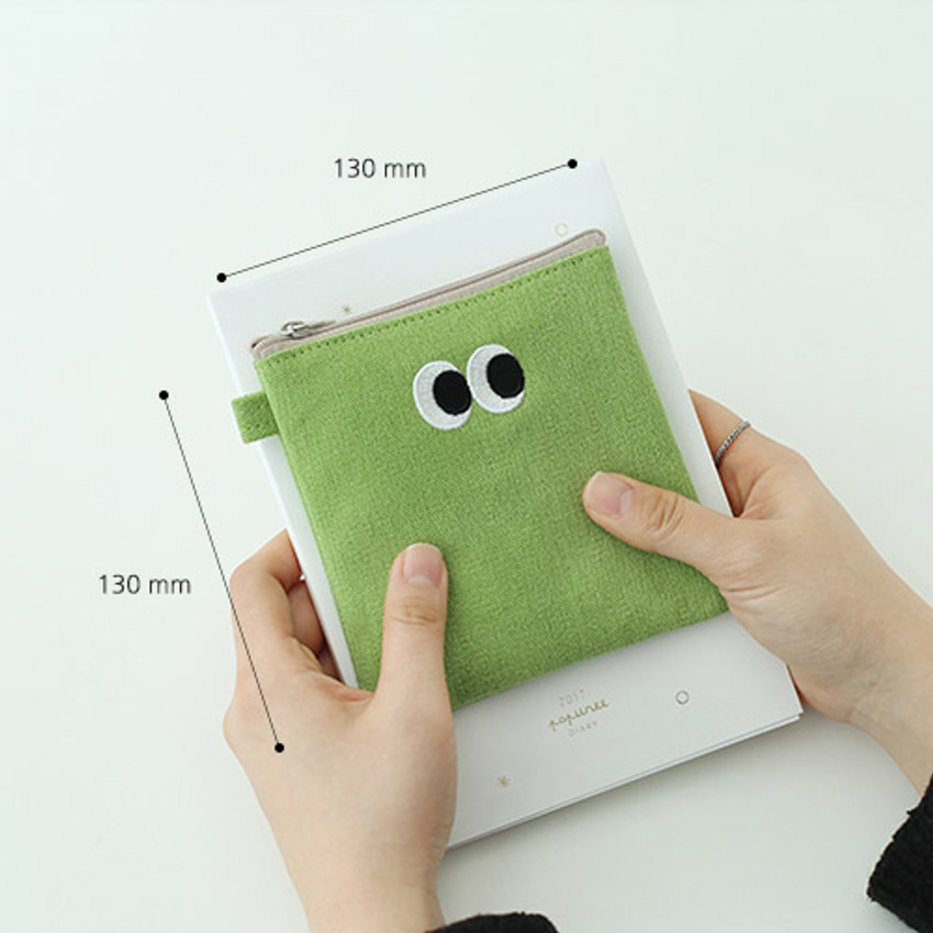 Size of Som Som stitching small zipper pouch