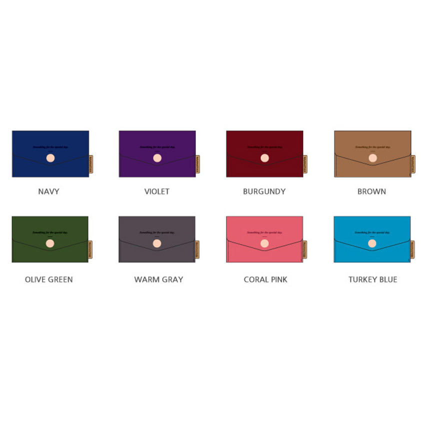 Color of  Wanna be chamude flat pocket card case