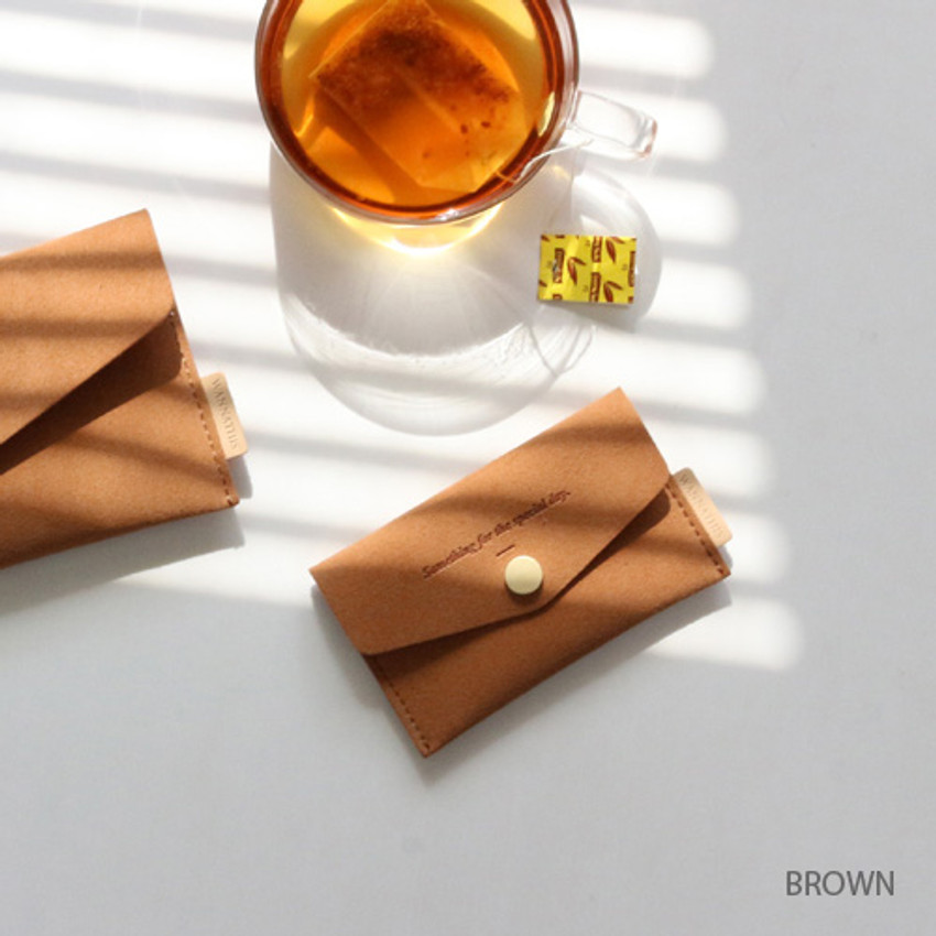 Brown - Wanna be chamude flat pocket card case