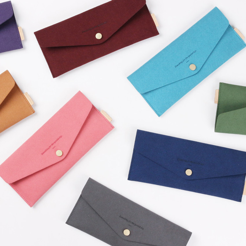 Wanna be chamude envelope pouch